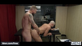 Mencom – Office hunk Puts The ASS In Assistant with big cock